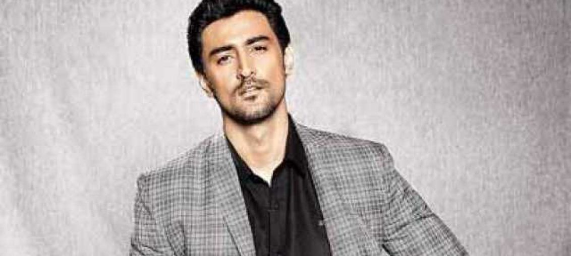Kunal Kapoor Age Wiki Biography Bollywood Moviez - Filmzgossip